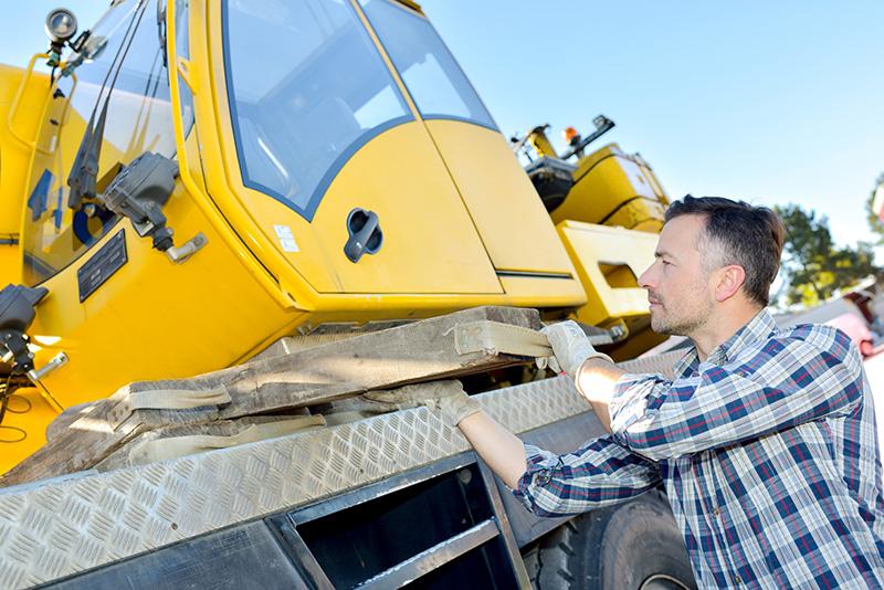 maintaining and repairing a Grove 640 Nisku Alberta